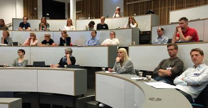 SÖK-deltagarna vid maj-träffen kring leverkirurgi i Linköpings nya aula.